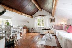 Casinha colorida: Uma típica cottage nórdica de conto de fadas