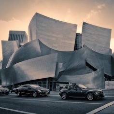 Walt Disney Concert Hall in Los Angeles, California, USA Amazing Buildings, Amazing Architecture, Architecture Details, Contemporary Architecture, Disney Hall, Walt Disney Concert Hall, California Dreamin', Los Angeles California, Echo Park