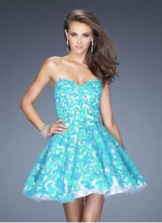 A-Line/Princess Strapless Sweetheart Short/Mini Organza Lace Prom Dress With Appliques Lace