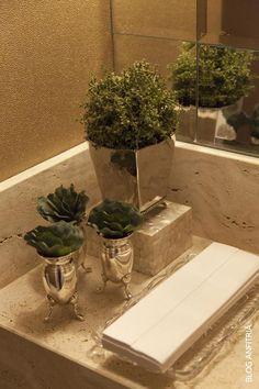 100 Luxury Interiors In Russia Bathroom Counter Decor, Bathroom Styling, Bathroom Interior, Interior Design Living Room, Bathrooms Decor, Green Centerpieces, Tray Decor, Bath Decor, Elegant Homes