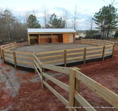 Two Stall Horse Barn Run - In - With Tack and Hay - maybe add a wash area on one end or if hay area? Use metal panels as stall dividers. Make separate hay shed with carport Barn Stalls, Horse Stalls, Stables, Horse Shed, Horse Barn Plans, Horse Barn Decor, Horse Fencing, Horse Paddock, Horse Arena
