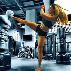 Taekwondo, Art Poses, Fitness Photography, Martial Arts Women, Mixed Martial Arts, Mma, Muay Thai Training, Boxing Girl, Martial Arts Workout
