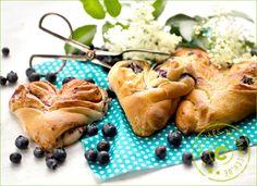 Plunder - Hefeteig gefüllt mit Sojajoghurt und Heidelbeeren