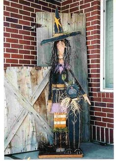 Tall Standing Witch and Cat Primitive Wood by countryfeelin Halloween Wood Crafts, Rustic Halloween, Halloween Signs, Holidays Halloween, Halloween Themes, Fall Crafts, Fall Halloween, Holiday Crafts, Halloween Decorations