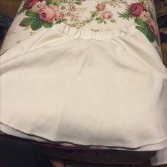Wet seal white skater skirt. Nwot Size XL. asking 7 shipped