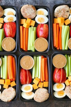 Copycat Starbucks Protein Bistro Box – Now you can easily make your own snack boxes! Healthy, nutritious and prepped for lunch or post-workout snacks! Informations About Copycat Starbucks Protein Bistro … Lunch Snacks, Lunch Recipes, Healthy Recipes, Diet Snacks, Breakfast Recipes, Keto Recipes, Meal Prep Breakfast, Dinner Recipes, Diet Meals