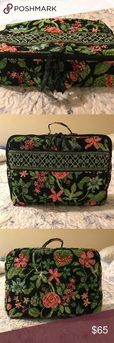 Vera Bradley Travel Cosmetic bag Like New, only used 2 times so in perfect condition. Nice tropical design called Botanica, vintage print. Has a netted zippered compartment inside to hold all those makeup brushes 😊 and then one large compartment for everything else we use to stay beautiful. Vera Bradley Bags Cosmetic Bags & Cases