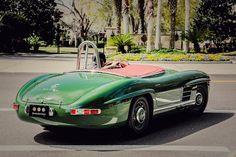 1957 300 SLS Tribute cruising the streets of Amelia Island, FL.  #mercedesbenz #w198 #300sl #300sls #sls #motorsports #pauloshea #tributecar #restoration #cartastic #beastofthegreenhell #greenhell