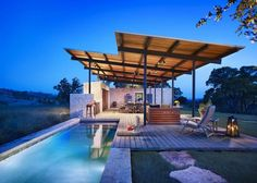 Open air pool house with kitchen. Story pool house by Lake/Flato architects. Outdoor Rooms, Outdoor Living, Outdoor Decor, Outdoor Kitchens, Outdoor Fun, Outdoor Entertaining, Lake Flato, Moderne Pools, Pole House