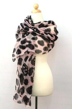 $12 Leopard Cheeta skull black and pink scarf
