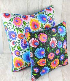 Poduszki folkowe motyw łowicki  Decorative pillows folk Country Farmhouse Decor, Decorative Pillows, Folk, Cottage, Products, Decorative Throw Pillows, Decorative Bed Pillows, Popular, Throw Pillows