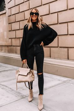 Jeans Outfit For Work, White Jeans Outfit, Fall Outfits For Work, Winter Sweater Outfits, Fall Winter Outfits, Autumn Winter Fashion, Winter Clothes, Mode Outfits, Casual Outfits