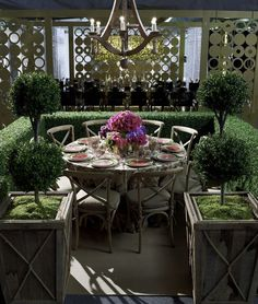 The Architectural Digest outdoor dining table Porches, Patio Dining, Outdoor Dining, Outdoor Decor, Dining Room, Dining Table, Outdoor Living Rooms, Outdoor Spaces, Outdoor Kitchens