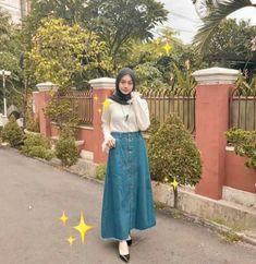 31 Trendy Ideas Style Hijab Rok Jeans style 781163497850077387 - 31 Trendy Ideas Style Hijab Rok Jeans style 781163497850077387 Source by iznxmrh - Hijab Casual, Ootd Hijab, Hijab Chic, Hijab Teen, Modern Hijab Fashion, Street Hijab Fashion, Muslim Fashion, Skirt Fashion, Modest Fashion