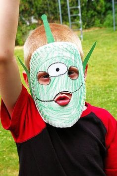 Favorite summer activity so far: paper plate masks! OOOoooo this one's the little green alien dude from Toy Story - superlove.