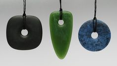 Contemporary New Zealand Jewellery by John Edgar New Zealand Jewellery, Stone Carving, Stone Art, Sea Glass, Arts And Crafts, Bling, Shapes, Jewels, Contemporary