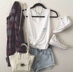 2239aca8235e 302 Best girly fashion images | Clothing, Outfit posts, Outfits
