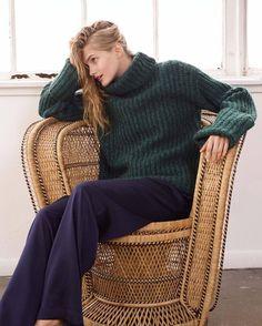 @elizandjames chunky sweater  #knit #knits #knitting #knitwear #knitspiration #wool #chunky #chunkysweater #chunkywool #rtw #rtw16 #fall #fall2016 #autumn #autumn2016 #winter #winter2016 #elizandjames #inspiration #bigknit #simpleknitting...