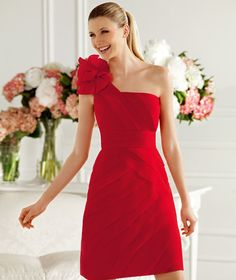 Pronovias presents the Camelia cocktail dress from the 2013 Short Dress Collection. | Pronovias