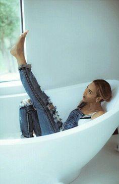 Beyoncé is 16 years old in the 11th grade. She's always been the shy,… #random Random #amreading #books #wattpad