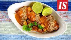 Seesamiöljyssä paistettu tofu maistuu maapähkinäkastikkeen kanssa taivaalliselta.