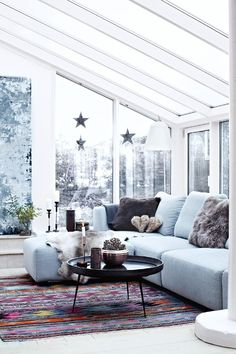 decordemon: A Danish house decorated in naturally Nordic holiday style. Scandinavian Interior, Home Interior, Interior Decorating, Interior Design, Interior Ideas, Home Living Room, Living Spaces, Danish House, Gravity Home