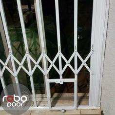 Robo Door letu0027s the dogs out. Get your custom made pet friendly trellis door . & Steel Security Doors. Robo Doors quality trellis doors. | Trellis ...