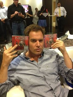 "September 24, 2013 via @M_Weatherly on Twitter ~ ""It's all happening... The best tweets of the night win this: #NCIS soundtrack"""
