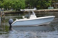 The 217 CC is a great fishing boat, with plenty of power, in a heavy boat and very stable in the ocean with great features including a hard T-Top with great storage, raw water wash down system, & aft deck lighting. Capacity of 6 people, 100 gal. fuel.