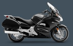 Although this model from Honda in 2012, he has earned to be found on our website, the vault gorgeous looks and good features. Only note that the 2012 Honda ST1300 ABS model, which is powered by a powerful engine type 1261cc liquid-cooled longitudinal