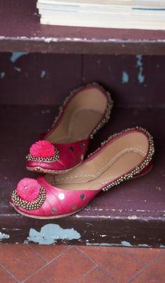 Indian dance shoes - Plümo