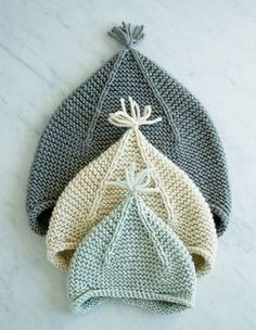 Laura's Loop: Garter Ear Flap Hat - The Purl Bee - Knitting Crochet Sewing Embroidery Crafts Patterns and Ideas! Dawnde, look here for purl bee sweater pattern you love! Purl Bee, Knitting For Kids, Free Knitting, Knitting Projects, Knitting Ideas, Baby Hat Knitting Patterns Free, Baby Hat Patterns, Easy Patterns, Knitting Needles