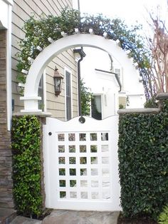 EXACTLY what I want for the gates to our backyard.