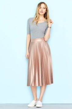 Seriously crushing on this metallic skirt and bodysuit combo, LOVE!