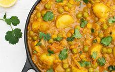 New Potato and Pea Curry With Yellow Split Peas [Vegan, Gluten-Free] - One Green PlanetOne Green Planet Pea Recipes, Lentil Recipes, Curry Recipes, Indian Food Recipes, Whole Food Recipes, Vegetarian Recipes, Cooking Recipes, Healthy Recipes, Indian Foods