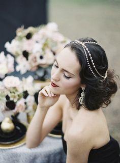 งานแต่งสีทอง สีดำ Black and Gold Wedding Inspiration Shoot by Matthew Ree Wedding Hair Inspiration, Cute Wedding Ideas, Hollywood Glamour Hair, Vintage Pastel Wedding, Gold Wedding Gowns, Wedding Dresses, Natural Wedding Makeup, New York Wedding, Vintage Glamour