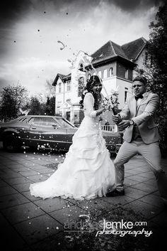 Happy Wedding .. and always Rock´n´Roll .. Cheers :-) www.hochzeitsfotografie-berlin.org #hochzeitsfotograf #hochzeitsfotografberlin #weddingphotographer #weddingphotographerberlin www.andreaslemke.com www.eventfotografberlin.com