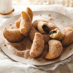 Warm chocolate beignets in cinnamon sugar. fried dough and chocolate with sugar and a cuppa java! Chocolate Filling, Chocolate Treats, Melting Chocolate, Just Desserts, Dessert Recipes, Dessert Ideas, No Bake Treats, Pastry Recipes, Yummy Drinks