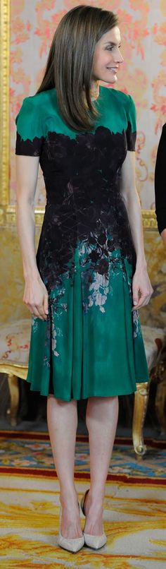 8 May 2017 - King Felipe and Letizia host a lunch for Costa Rican President - dress by Carolina Herrera