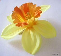 5 Sunny Yellow Daffodil Poly Silk Flower Brooch Pin