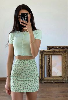 @oliviasxx Cute Casual Outfits, Cute Summer Outfits, Girly Outfits, Retro Outfits, Floral Skirt Outfits, Aesthetic Fashion, Aesthetic Clothes, Look Fashion, Aesthetic Outfit