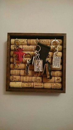 Easy Upcycle Wine Cork Ideas Crafts For Kids Wine cork crafts;Easy Wine cork ideas crafts for kidsWine cork crafts;Easy Wine cork ideas crafts for kids Wine Craft, Wine Cork Crafts, Bottle Crafts, Champagne Cork Crafts, Wine Cork Projects, Cool Diy Projects, Craft Projects, Project Ideas, Craft Ideas