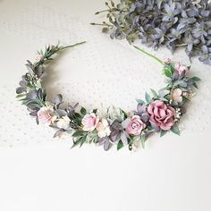 A delicate floral crown in dusty tones of blue and pink. The size of the wreath … - Haarschmuck Flower Crown Wedding, Floral Wedding, Wedding Flowers, Bridal Crown, Boho Headpiece, Flower Headpiece, Headdress, Corona Floral, Floral Headbands