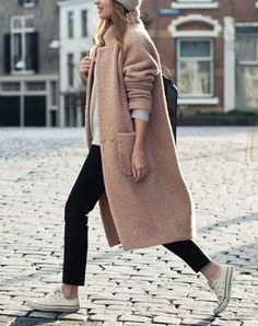 A Casual Cool Way To Wear A Blush Pink Coat (Le Fashion) 2019 Fall street style The post A Casual Cool Way To Wear A Blush Pink Coat (Le Fashion) 2019 appeared first on Floral Decor. Street Style Jeans, Autumn Street Style, Fashion Mode, Fashion Outfits, Fashion Trends, Womens Fashion, Style Fashion, Trendy Fashion, Fashion Ideas