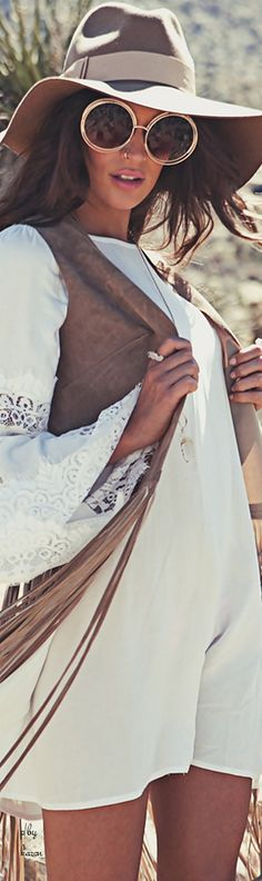 Boho Style Inspo >>>> For beautiful bohemian fashion and style inspiration .༺✿♔R.D♔✿༺