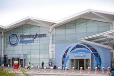 Birmingham Airport is just two hours drive from 35 million inhabitants and one of the main industrial and transport hubs of the country.