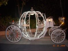930a1486b6b electric cinderella carriages - Google Search Princess Carriage