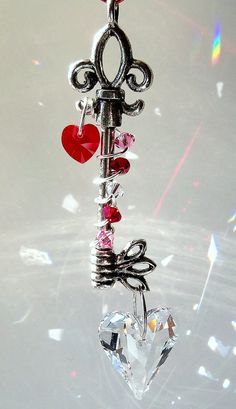 Unlock my Heart Sun Catcher is the perfect gift for your sweet heart this valentines day! Find more like this at Dancing Rainbows on Zibbet! Wire Crafts, Bead Crafts, Jewelry Crafts, Hanging Crystals, Wire Art, Suncatchers, Wind Chimes, Jewelry Making, Valentines
