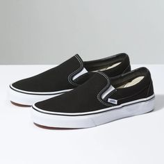 Find slip on vans at Vans. Shop for slip on vans, popular shoe styles, clothing, accessories, and much more! Moda Sneakers, Sneakers Mode, Sneakers Fashion, Vans Fashion, Tomboy Fashion, Girl Fashion, Fashion Vest, Fashion Brands, Fashion Dresses