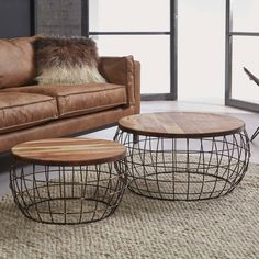 A lovely set of 2 coffee tables with an airy wire frame and mango wood for the table top. Combine this lovely coffee table set with other industrial furniture from our assortment. Cart Coffee Table, Garden Coffee Table, Teak Coffee Table, Large Coffee Tables, Living Room Table Sets, Boho Living Room, Wire Table, My New Room, Living Room Designs